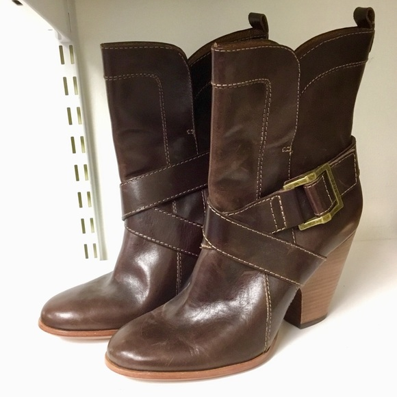 Frye Shoes - Frye Brown leather boots size 7.5